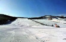 六盘山滑雪场